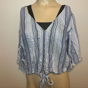 AMERICAN EAGLE BLUE & WHITE STRIPED CROPPED BLOUSE